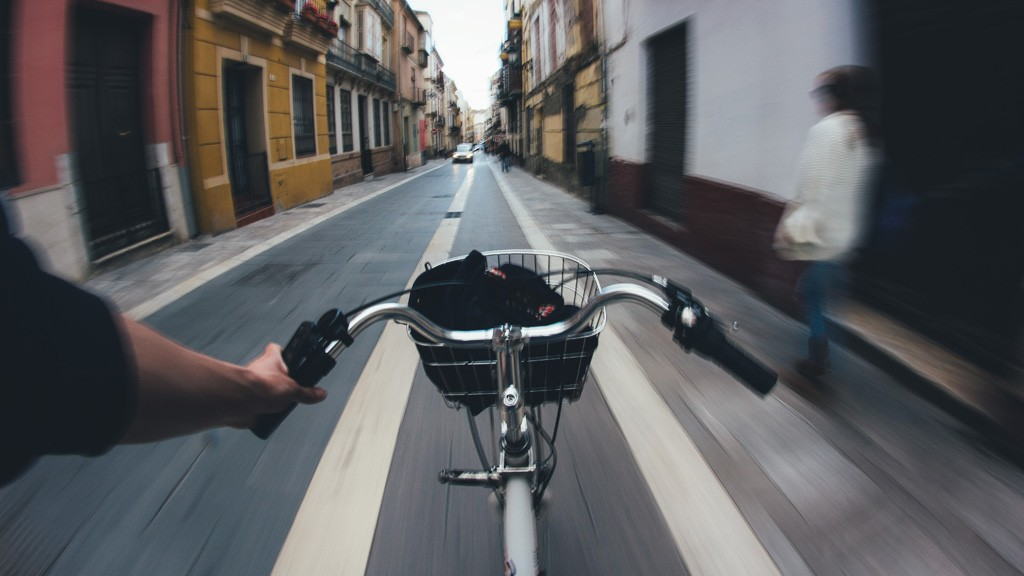 自転車、地震、がん。生命保険以外に検討したい3つの保険