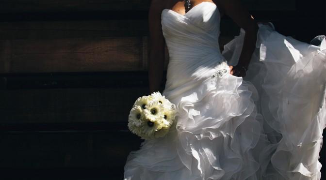 アラフォーな花嫁にこそ似合うドレスとは