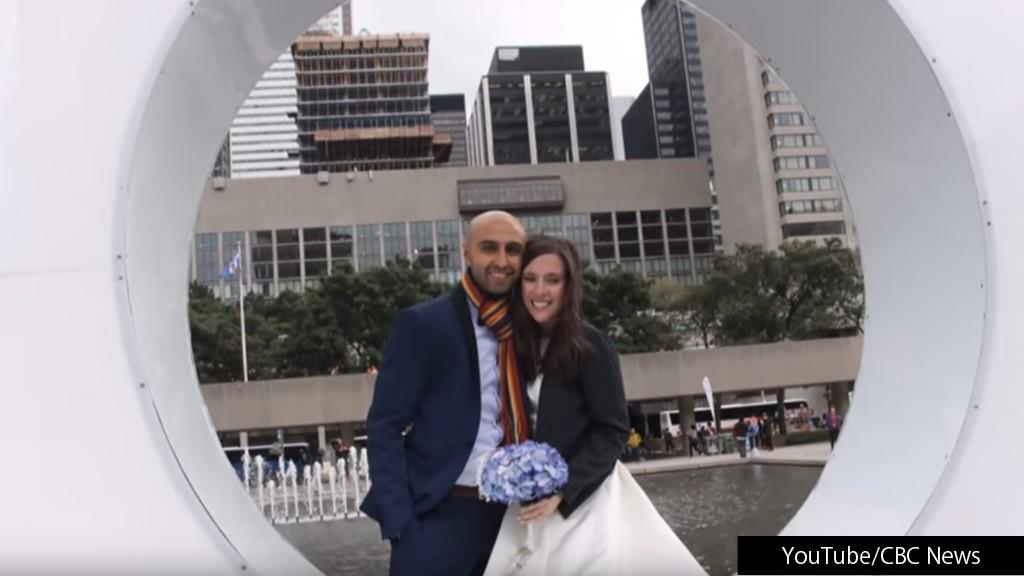 """""""ある目的""""のために豪華な挙式をあきらめ、最高の新婚生活をスタートさせたカップル"""