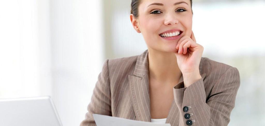 「空気が読めて仕事デキそう」と思わせる女性向け名刺入れの選び方