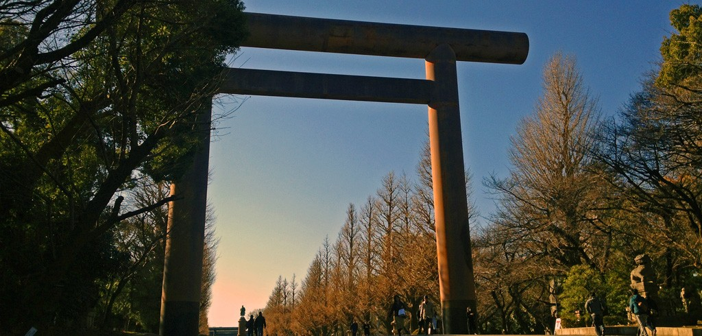 10階相当の高さ! 日本で1番大きな鳥居のある神社を知ってる?