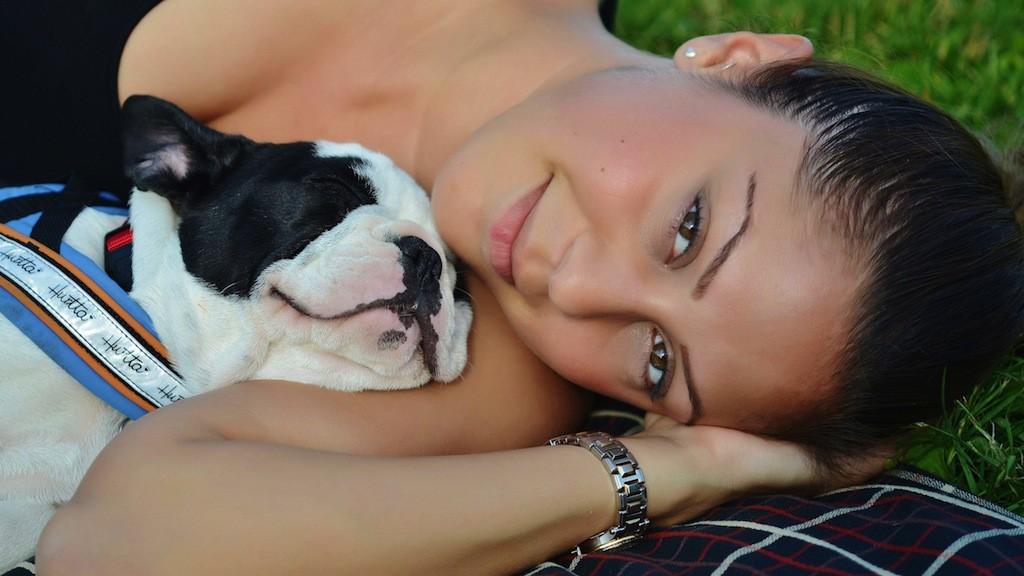 犬は優秀な恋のキューピット? 犬好きなら「犬コン」へ!