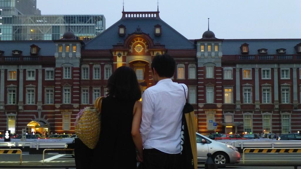 婚活経験談:東京と福岡の遠距離恋愛、ユーモアあふれたメッセージから初デートに